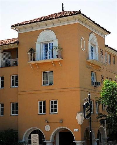 Alto Nido Apartments